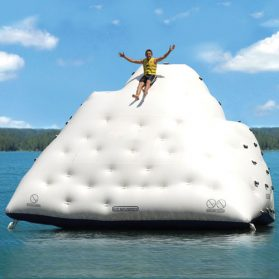 inflatable_ho_water_icebergs_01