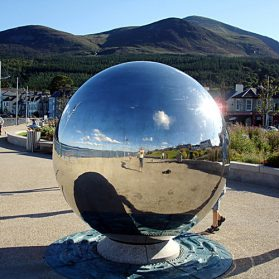 inflatable_mirror_ball